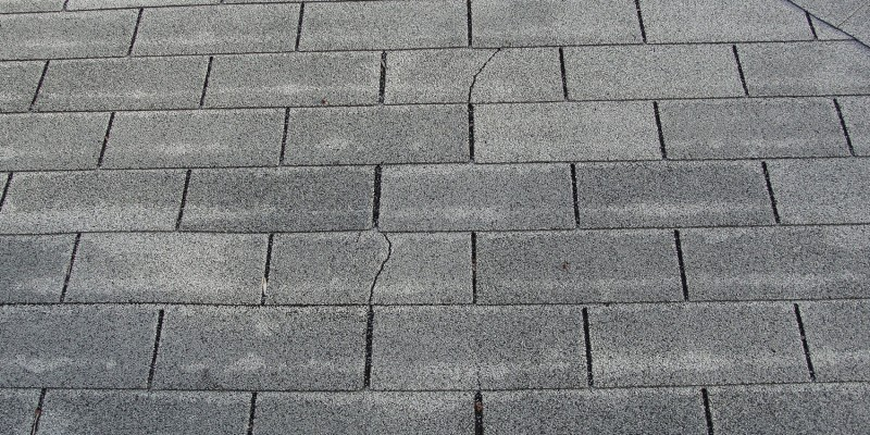 Missing,-cracked-or-curled-shingles-